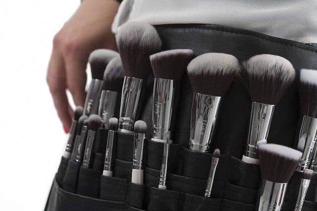 maquiagem com esfumado preto