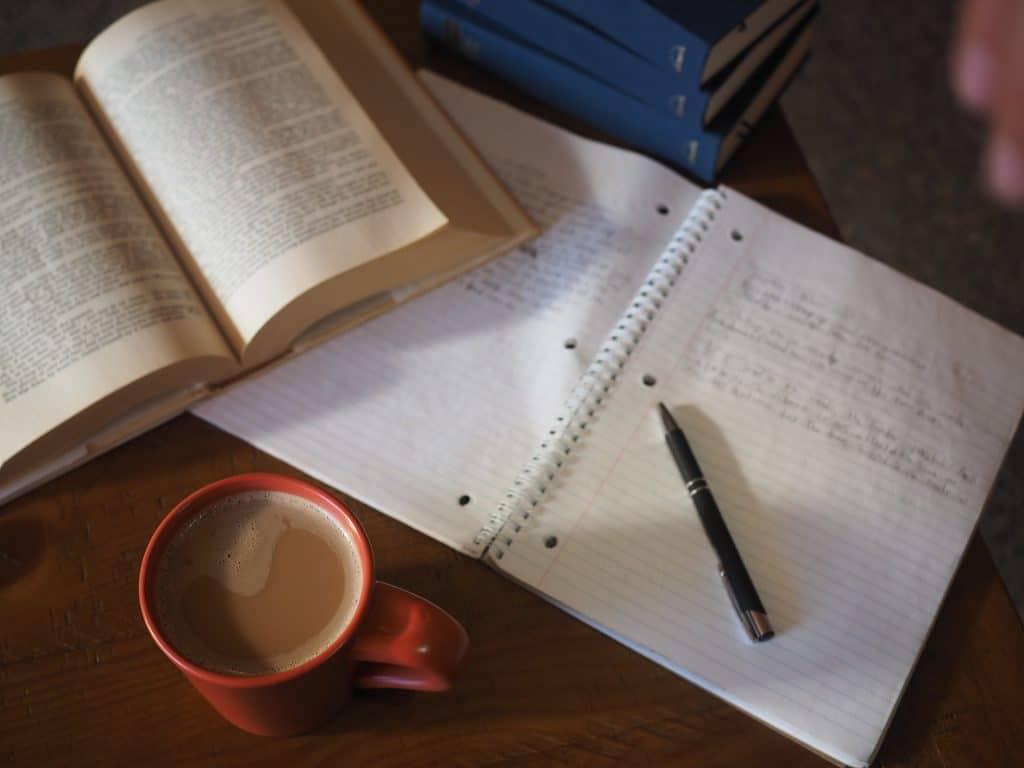Leis e Decretos Regimento Interno do Conselho Nacional de Arquivos CONARQ