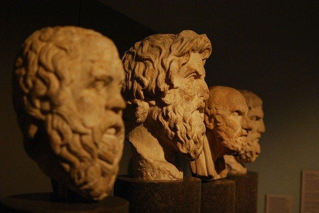 Filósofos e pensadores