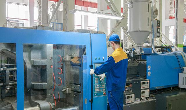 Curso de NR 12 Básico - Segurança no Trabalho em Máquinas Injetoras de Materiais Plásticos