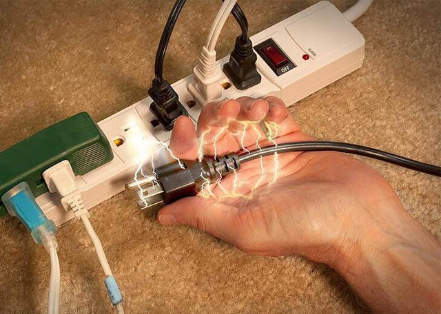 Primeiros Socorros em Caso de Acidente com Eletricidade