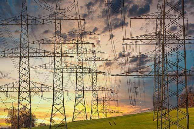 Curso de NR 10 Básico - Segurança em Instalações e Serviços em Eletricidade